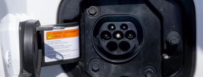 kia-ceed-plug-in-hybrid-ricarica
